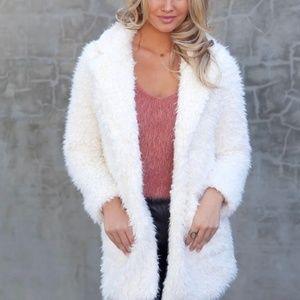 Jackets & Blazers - AMAZING IVORY FAUX FUR COAT